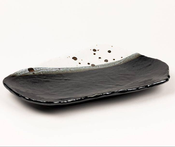 image produit Plat oblong Blanc-Noir tacheté